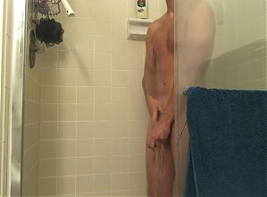 College Boy jerks off in shower